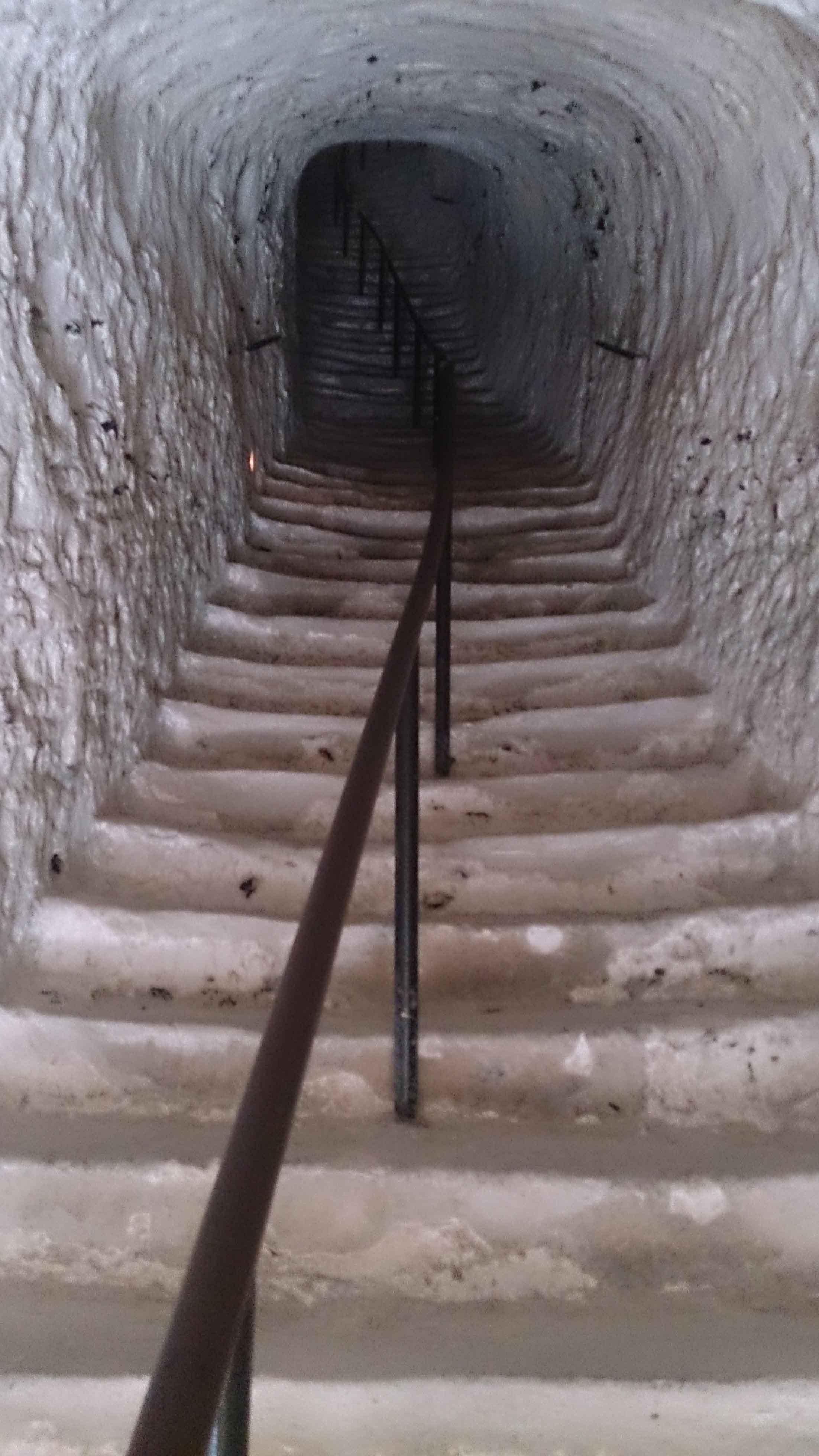 Escalier Val D Oise escalier du donjon troglodytique du château de la roche